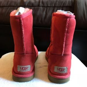 Lipstick red uggs